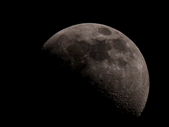 """Mond mit 10"""" Dobson bei 1270mm Brennweite"""