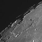 """Die Kraterlandschaft um den Krater """"J. Herschel""""."""